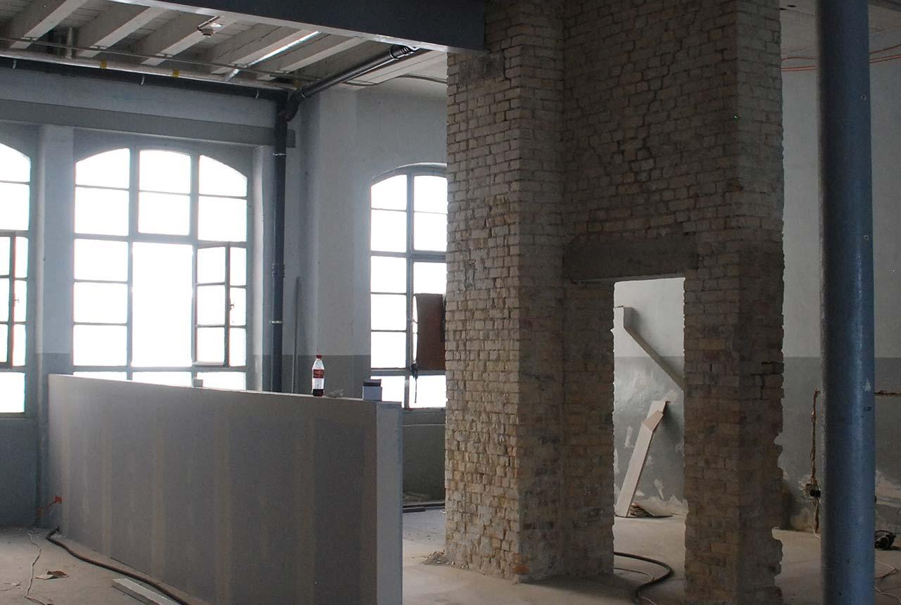 umzug last wall standing der machart studios blog. Black Bedroom Furniture Sets. Home Design Ideas